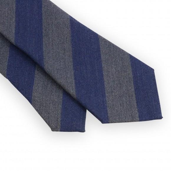 Cravate club en laine et soie grise et bleue