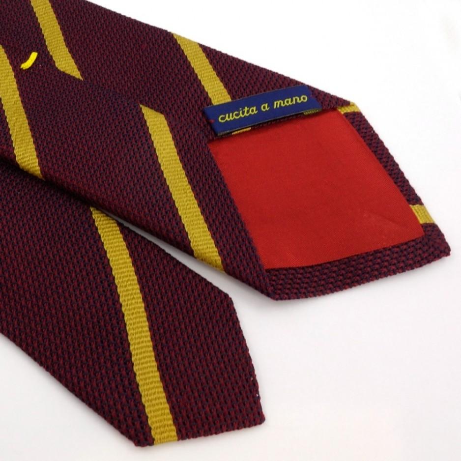 Cravate bordeaux à rayures jaune doré