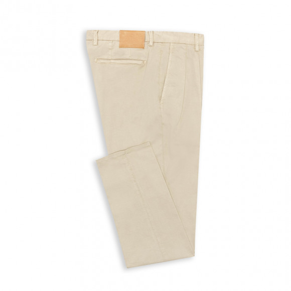 Chino avec pinces twill beige clair