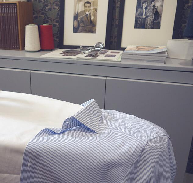 Repassage de l'empiècement dos d'une chemise.jpg