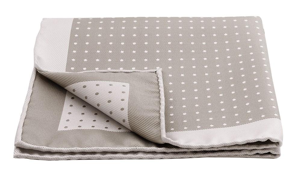 gagnez une pochette de costume pour noel. Black Bedroom Furniture Sets. Home Design Ideas