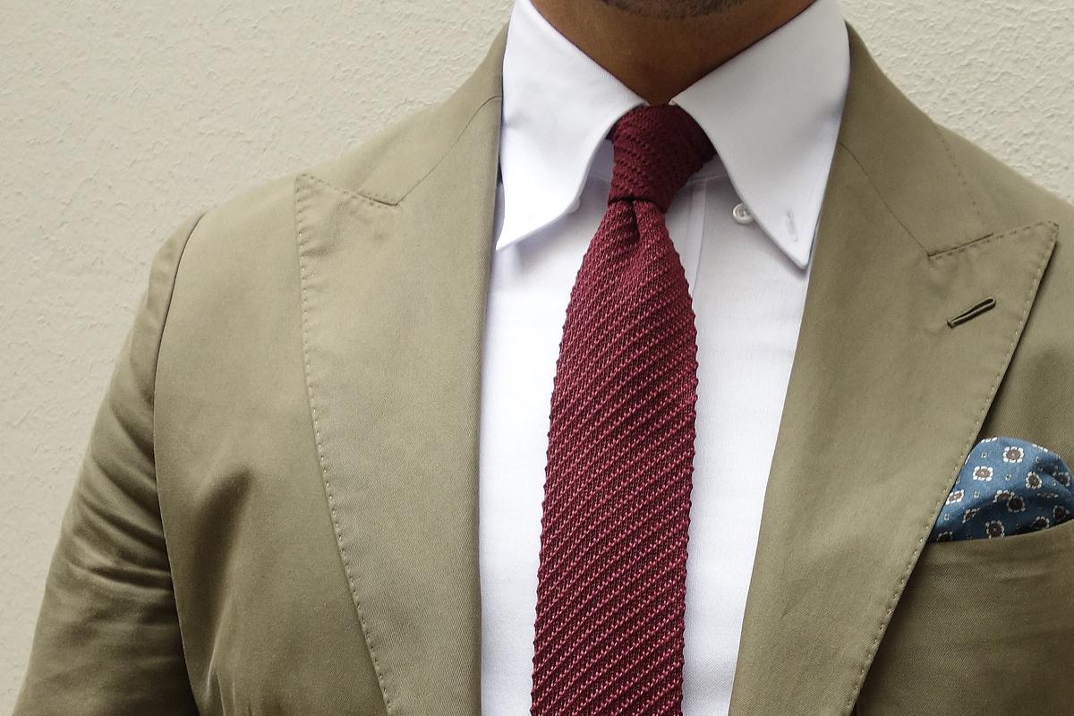 chemise-blanche-oxford-cravate-tricot