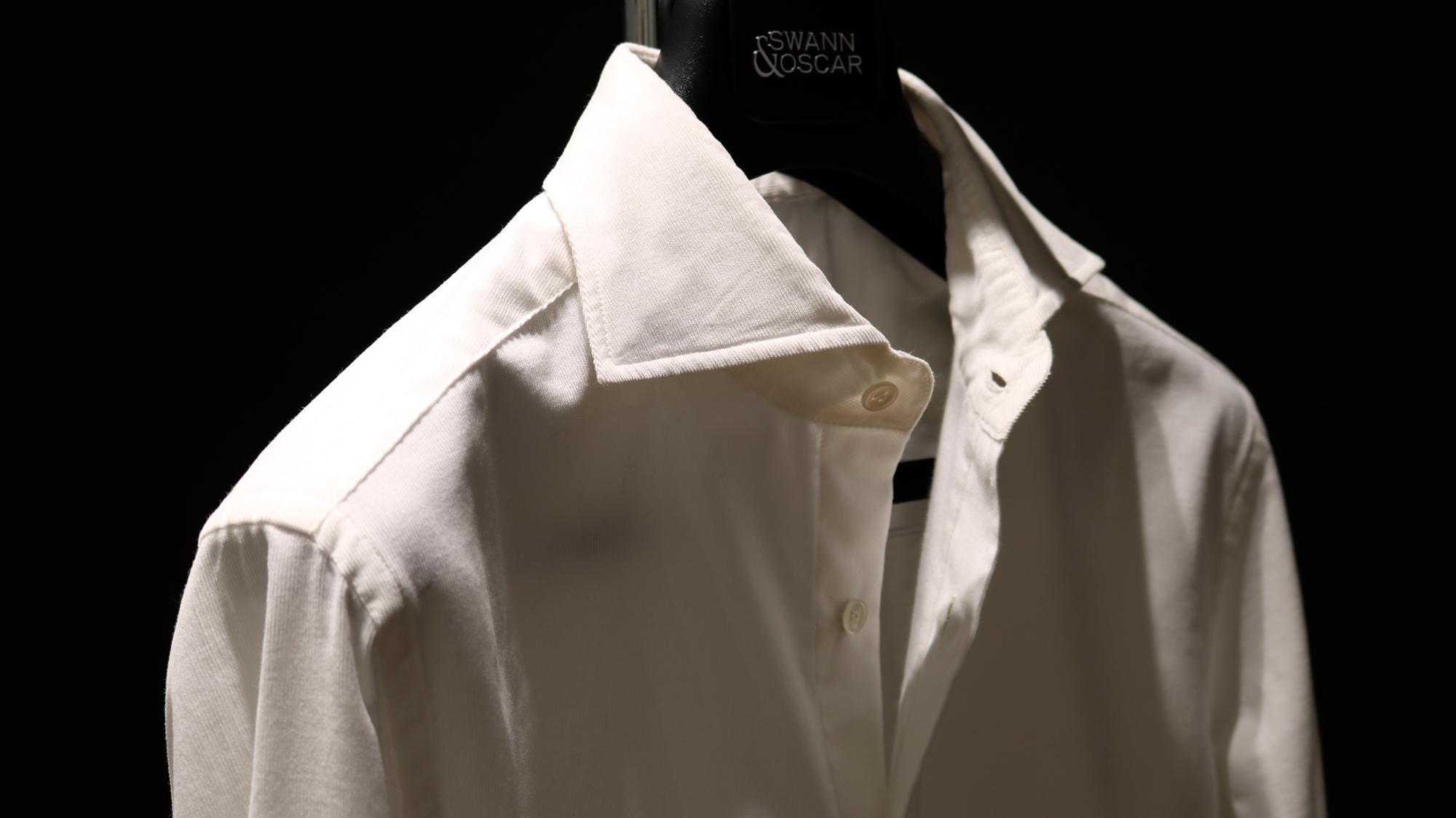 taille 40 c88ec 47b9a La chemise en velours blanc cassé - Journal - Swann et Oscar