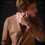 lookbook veste camel chemise carreaux rouge 5