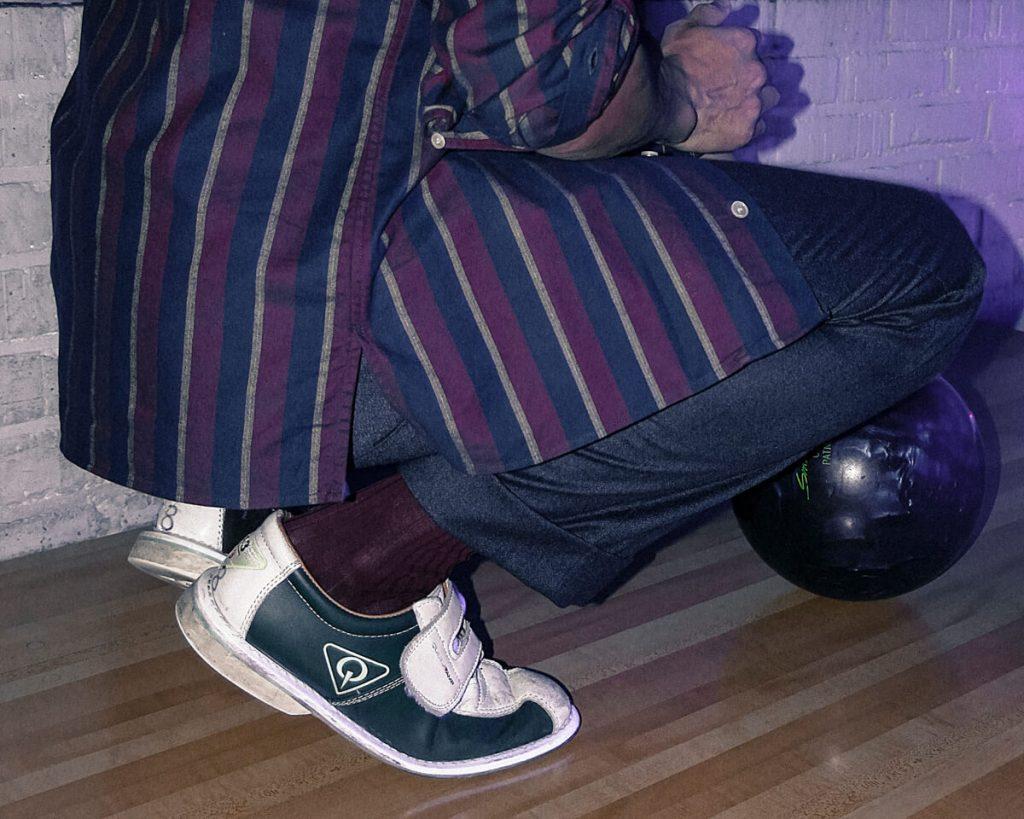 bas droit fendu sur chemise bowling